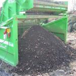 przesiewanie kompostu 50 mm. przesiana frakcja